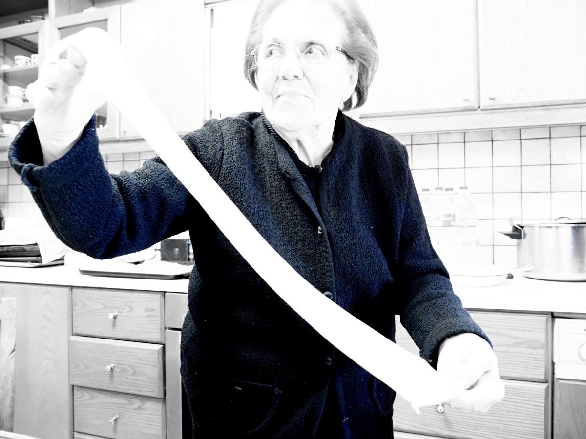 Καλιτσούνια κρητικά τριανταφυλλάκια της κυρίας Νίνας Καραπιδάκη